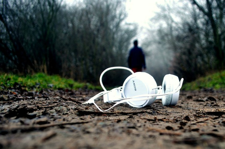 path headphones